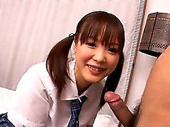 Kostea pimppi schoolgirl sormella ruuvata ja kynnetään ilo