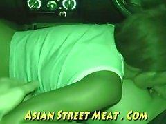 Rosa Fleisch geht in die Taxi