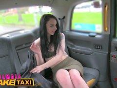 Weibliche Fake Taxi Amazing Pussy essen Orgasmen als Fahrer bekommt Fantasy fuck