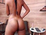 Сексуальная любительская девочка стриптиз вебкамера