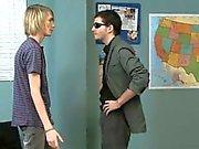 Ídeos gays La muchacho agradable Blondie se está la lección privada en