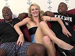 Euro Luder Natasha Starr bekommt von schwarzen Männer DP'd