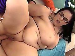 Iso Titty pulleammat Lyla Everwett kokemasi haittavaikutus on fuc - Hotels.comista löydät hänen kanssaan BBW -C