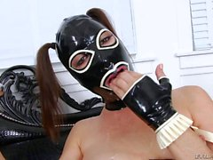 De Dana Dearmond au du latex le masque joue avec le son anus