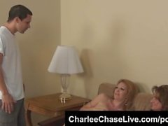 Тампа Sluttiest MILF Charlee Чейза Hot 3way Blowjob !