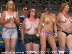 blinkende titten im biker rallye