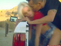 Chicas del bimbo rubio follada por de una camioneta