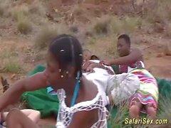 massiccio facciale su un bambino africano
