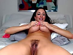 Ariellla se masturber , sucer et fucking- CE QU'UN LADY
