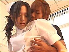 Asyalı hemşire sevimli part3 kapalı gösterir