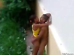 Brasilianer Teen bumsen Draußen auf der Regen