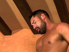 Muscle bear Dreier und abspritzen