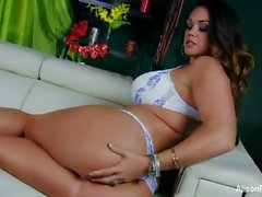 Alison Tyler makes herself cum