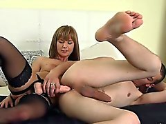 Cowgirl pussy sucking