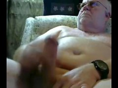 дедушка с веб-камерой