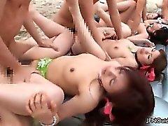 Kiimaisen ryhmäseksisessiossa vittu rannalla