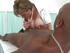 Lady Sonia - sairaanhoitaja Hierova