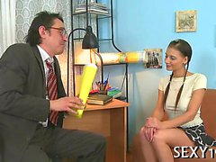 Lascivious mature teacher is seducing babe's lusty beaver