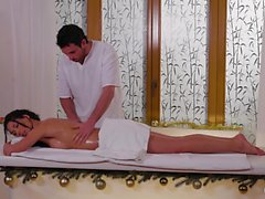 Relaxxxed - Hot ölige Massage und sinnliche Weihnachten ficken