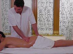 Relaxxxed - di massaggio oleosa calda e sensuale donna fottere Natale