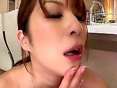 Grande di titty Araki Hitomi ha una blastica della sua i boss di cucina