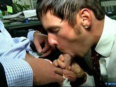 Hot Sohn Oralsex und Gesicht