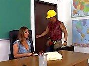 Teacher ... F70 Ona Ders Anlatımı alır