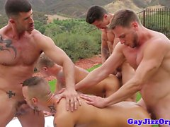 Jessie la cuchilla del arado y sus amigos tienen la orgía al aire