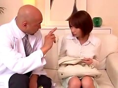 Азиатский MILF Interracial Handjob Experience