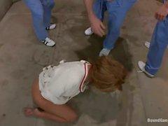 Tres hombres se golpean loco de Phoenix de Marie