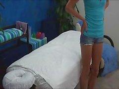 Hidden Camera Chiusure di 18 anni scopata sulla Tabella di massaggio