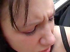 Teens lieben riesige Schwänze anal Michelle auf dem Spandex Motorhaube eines Autos genagelt