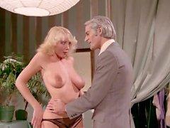 Klassinen amerikkalainen pornoelokuva John Leslie ja Desiree Cousteau