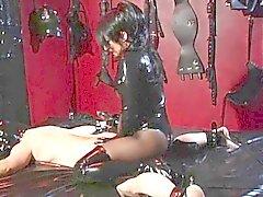 Mistress de lui frappe