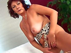 Granny Alma is horny again. Aged brunette with big tanlined : Pornsharing fucking tube