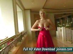 Alison Angel eine sexy roten Kleid funktioniert wie ein Fashion Model