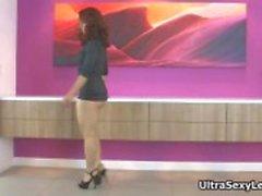 Hot babe morena recebendo exibição tesão