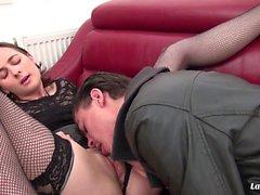 LaNovice - franskt Babe Silvias Gets hennes fitta och röv borrad