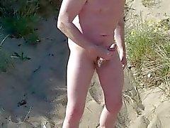 schottischen Exhibitionist auf dem Strand