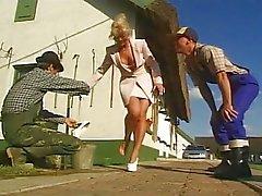 Tyska lady körd av två bönder