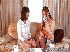 Giapponese di matura riceve per via orale dal bambina di cottura