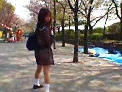Mikan Verbazingwekkende Aziatische schoolmeisje geniet part1
