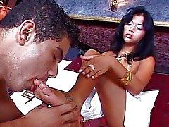 Латинской дерзкая девчонка трахать TWINK