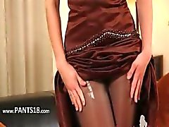 Svarta strumpbyxor och ultra söta underkläder