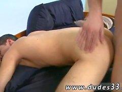Gay bareback porno circuncidado Aj Monroe Fucks Mike Baron