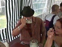 L'orgia sessuale a pt Oktoberfest 1 - Altre info su HDMilfCam com