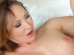 Yasmin Scott İvana Şeker ile sapphic Erotica üzerinde Lezbiyen seks