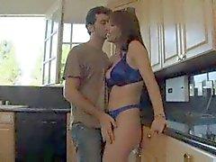 Hot Mogna Cougar Rayveness bankar Young