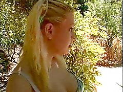 Blondi Raskaana oleva ulkouima 3some