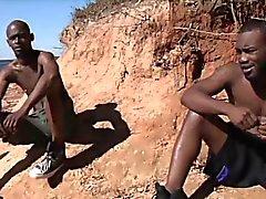 Heißer afrikanische Typen haben Sex Homosexuell Sex an der Sonne